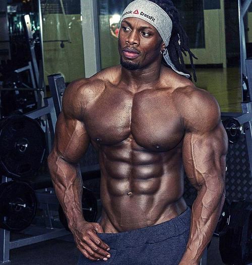 黒人の体つきヤバ過ぎだろの画像_201407280000_1