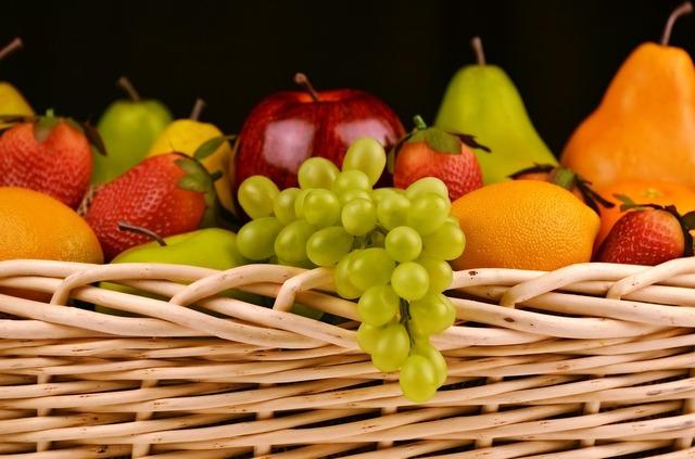 fruit-basket-1114060_1280.jpg